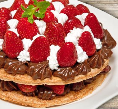 mil-folhas-de-chocolate-confeitare-com-morango