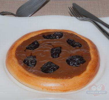 Pizza de Doce de Leite com Ameixa