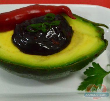 Abacate com Creme de Chocolate com Pimenta