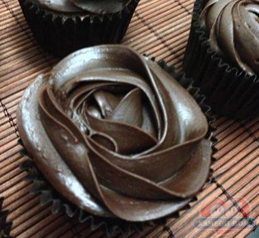Cup Cake de Chocolate Intenso com Laranja