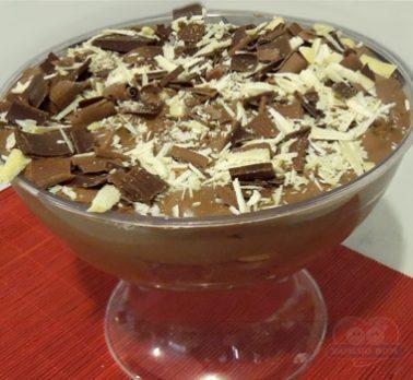 Pavê de Doce de Leite com Chocolate Crocante