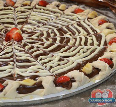 Pizza de Brigadeiro com Catupiry