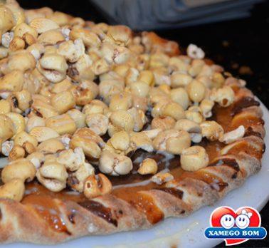 Pizza de Brigadeiro e Pipoca Doce
