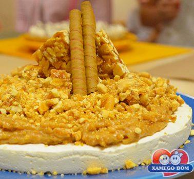 Torta de Amendoim e Suspiro