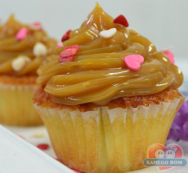 cupcake-de-doce-de-leite-cobertura
