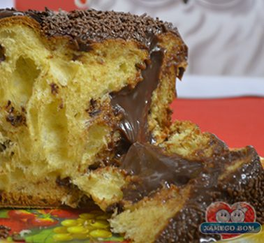 Panetone com Creme de Chocolate e Café