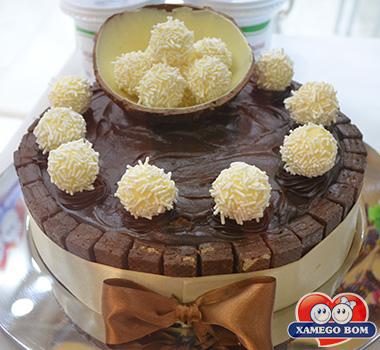 torta-de-brigadeiro-e-beijinho-xamego-bom