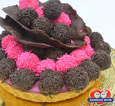 torta-de-festa-moranguinho-brigadeiro
