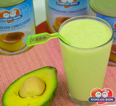 vitamina-de-abacate-condensado-confeiteiro