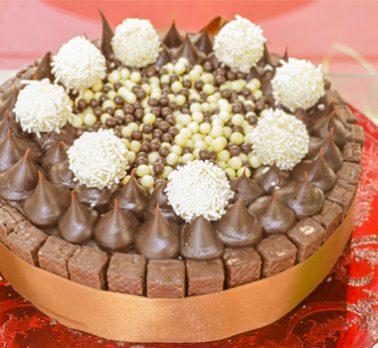 Torta de Confeitare Chocolate com Coco