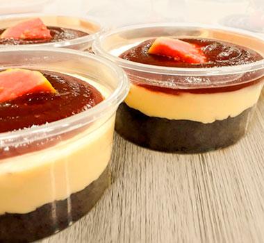 cheesecake-com-cobertura-de-goiabada-cremosa